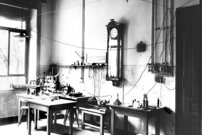 MINEVIKUHETK   8. november: Saksa teadlane avastas kogemata röntgenikiired