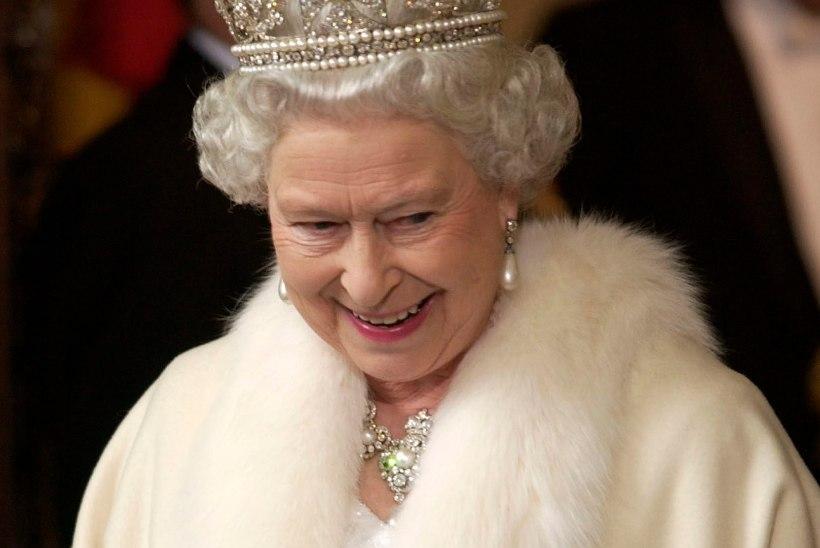 Kuninganna Elizabeth II rõivad tehakse nüüd kunstkarusnahast
