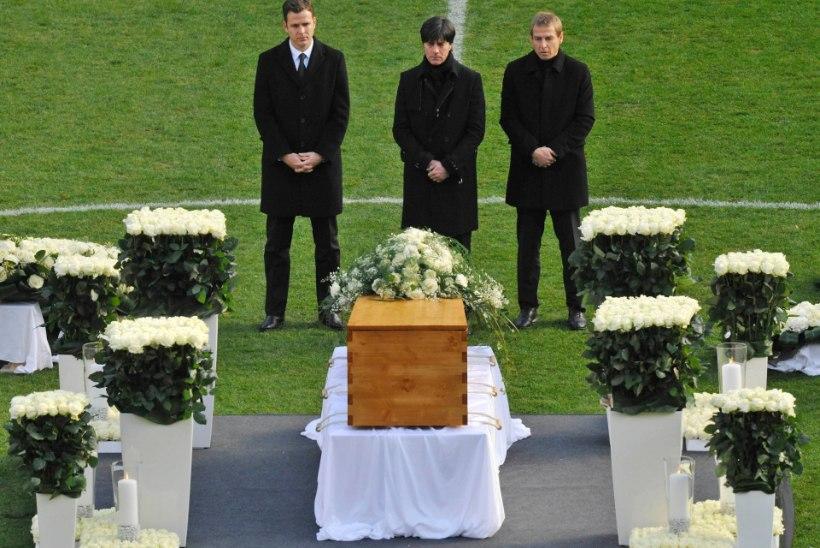 """10 aastat tragöödiast: """"Robi ei tapnud ennast ise, seda tegi haigus."""""""