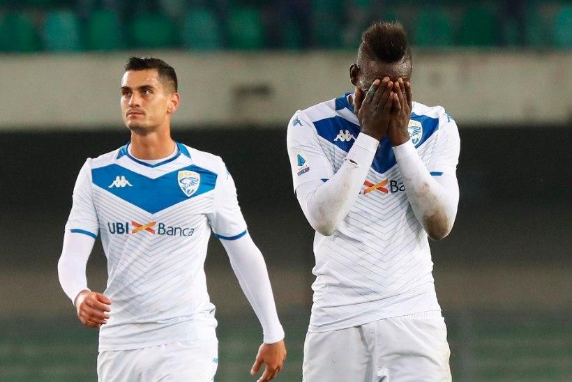 TOHOH! Balotelli ülbusest tüdinud Brescia fännid toetavad itaallast rassistlikult mõnitanud vastasmeeskonna poolehoidjaid