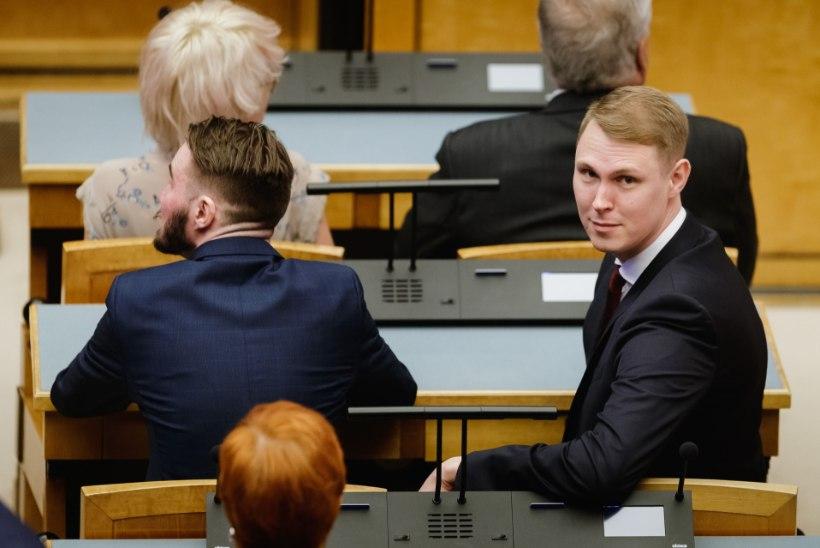 """Raimond Kaljulaid: """"Isamaa, see on siis teie volikogu? Toatäis vuntsidega mehi ja kolm naist?"""""""