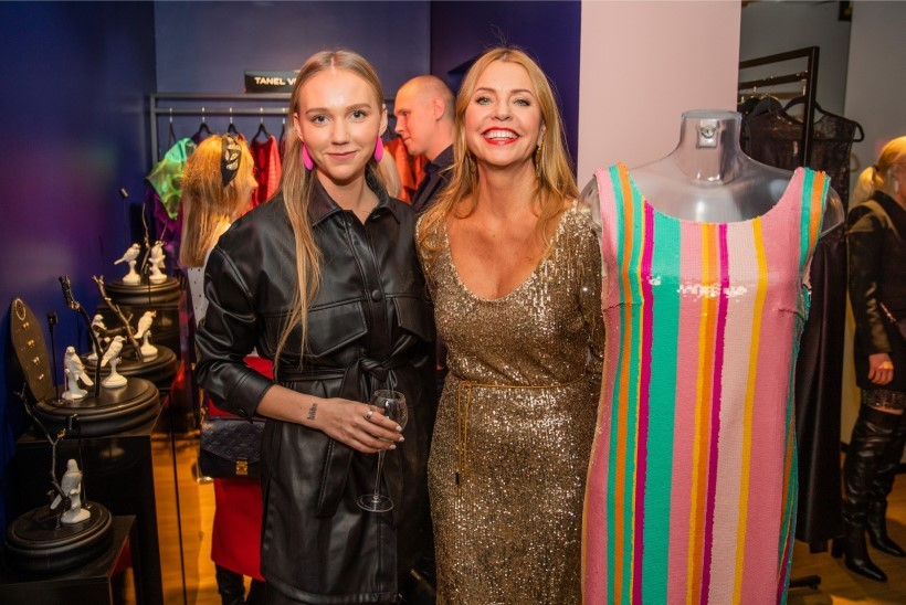 ÕL VIDEO | Moelooja Katrin Aasmaa: iga naise kapis võiks olla üks kleit, mis sobiks nii pulma, kui ka ämma matustele
