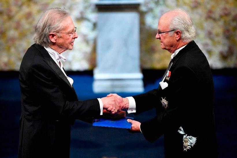 Peter Handke sai skandaalile vaatamata kirjanduse Nobeli preemia kätte