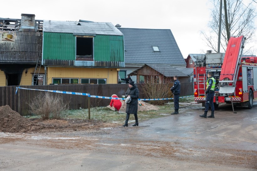 FOTOD | Tartus hukkus elumaja põlengus viieliikmeline perekond – ema, isa ja kolm väikest poega