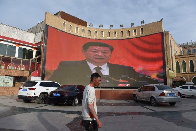 Hiina uiguuride vangilaagritest: lasime nad vabaks, nad läbisid meie ümberõppe