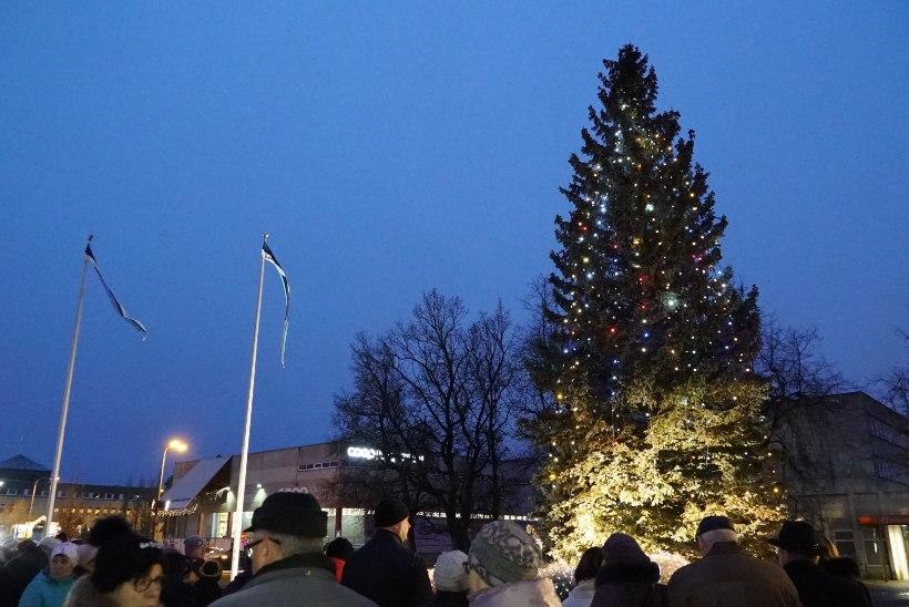 FOTOD | Külmapealinnas kuulutati välja jõulurahu