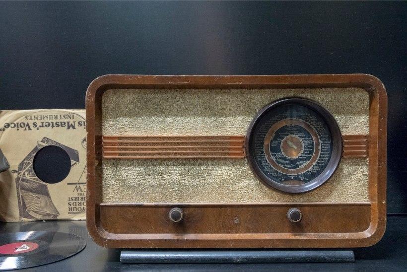 Tõnis Erilaiu lehesaba | Kuidas raadio isegi Kuressaarde välja kostis
