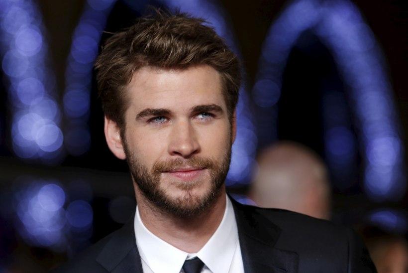 Juba võetud! Liam Hemsworth tutvustas vanematele uut pruuti