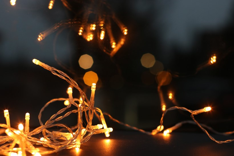 Lugeja küsib: kuidas vahetada valgusketis üksikuid pirne?