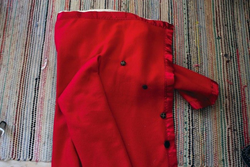 VANAST UUS | Õmble fliistekist jõulumehele punane kuub!