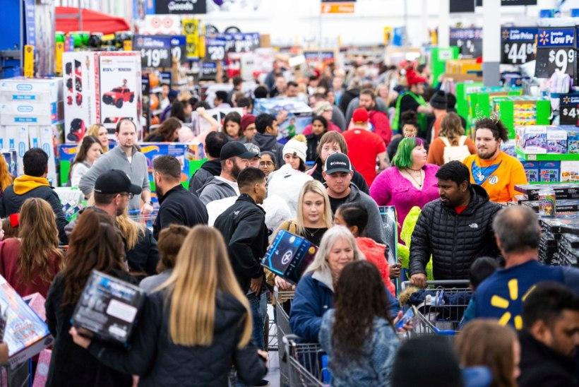 ÕL USAs | Musta reede ostuhullus: megaummik ja pealetükkivad müügimehed