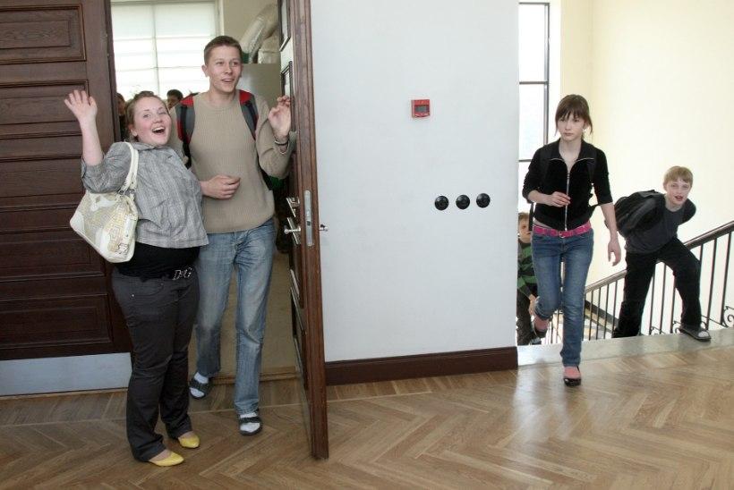 BBC imestab: kuidas küll Eesti lapsed mäekõrguselt Briti eakaaslastest tublimad on?