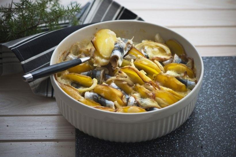 Koorene räime-kartulivorm suitsuse juustuga