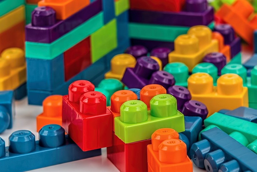 VIDEO   LIIGUTAV ABI: annetatud mänguasjad aitavad vähihaigetel lastel hirmust üle saada