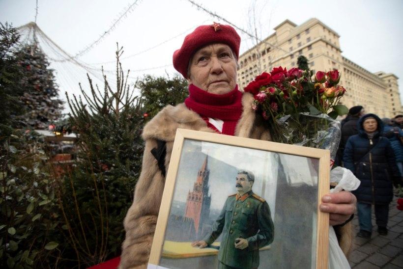 Moskvas ehtis majafassaade Stalin: ma tulen tagasi!