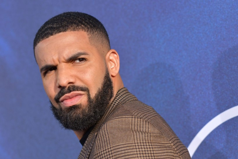 MEES, MIDA SA TEED? Miks Drake (33) lapstähti sõnumitega pommitab?!
