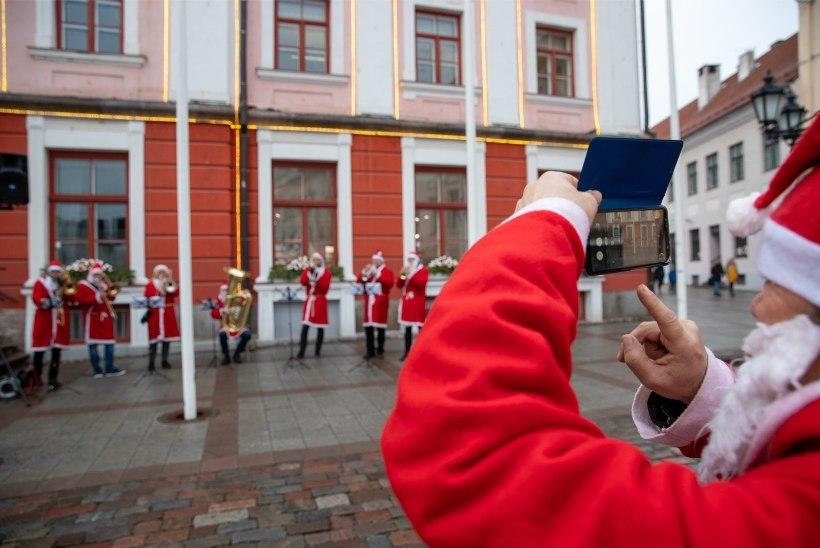 FOTOD | Jõulurahu Tartus: tasuta supp ja turistid Soomest