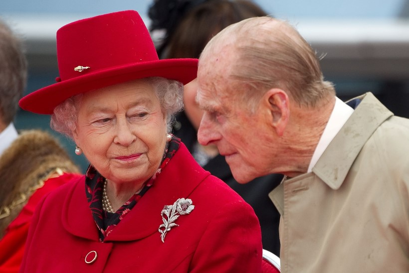 Miks kuninganna Elizabeth II oma abikaasat haiglas külastamas ei käinud?