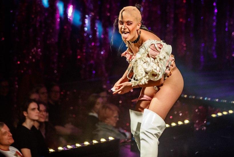 FOTOD JA VIDEO | Esietendus Jüri Naela drag dream: kui sa paned jalga kõrge kontsaga kingad, siis on eriline tunne küll!