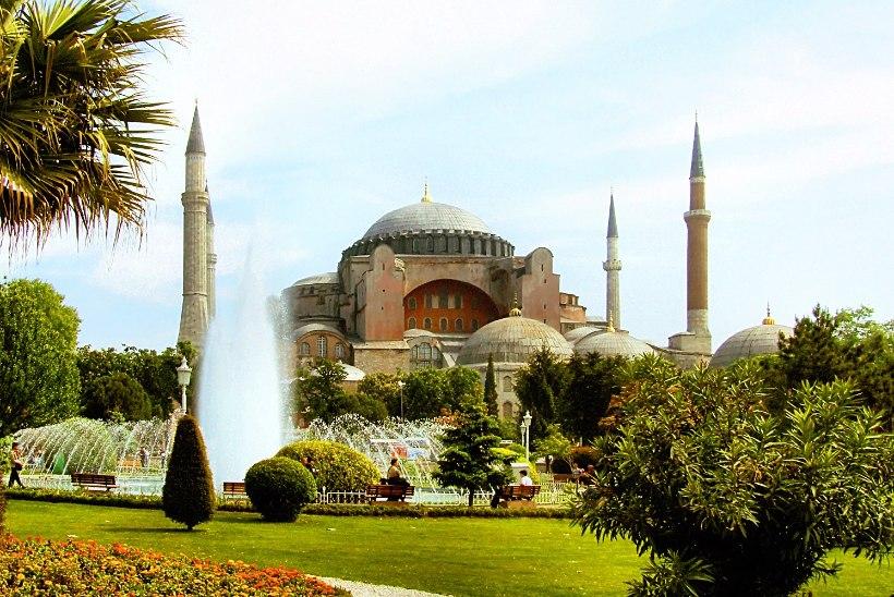 MINEVIKUHETK | 27. detsember: Konstantinoopolis valmis Hagia Sophia kirik