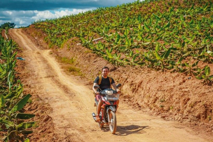 JÄRGMINE PEATUS | Aasia väikeriik Laos: osta viskit kilekotis, sõida rolleriga ja naudi kuueeurost massaaži!