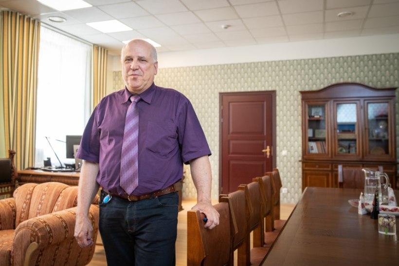 LUTIKAS LAES! Maaeluministri kabinetis oli pealtkuulamisseade, mille Järvik avastas tänu Põlluaasalt saadud aparaadile