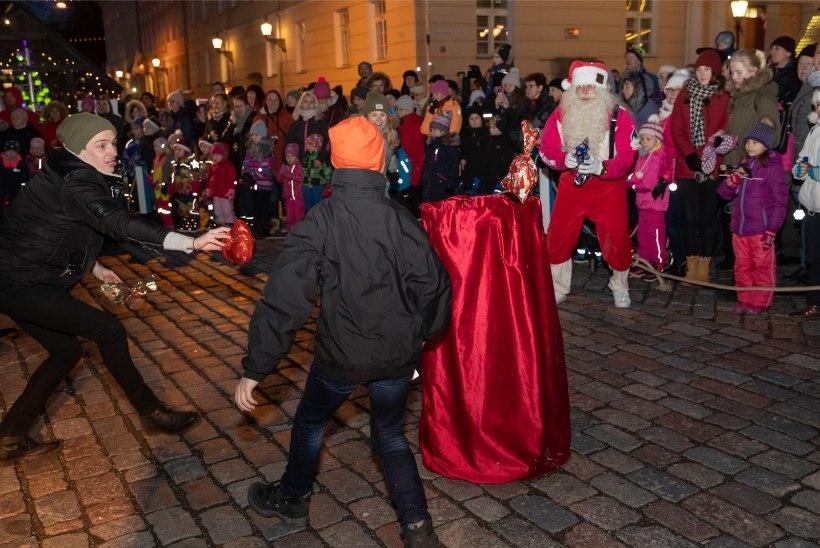 VÕITJA LOOSIGA: jõuluvanade talimängude võitja selgitas liisuheitmine