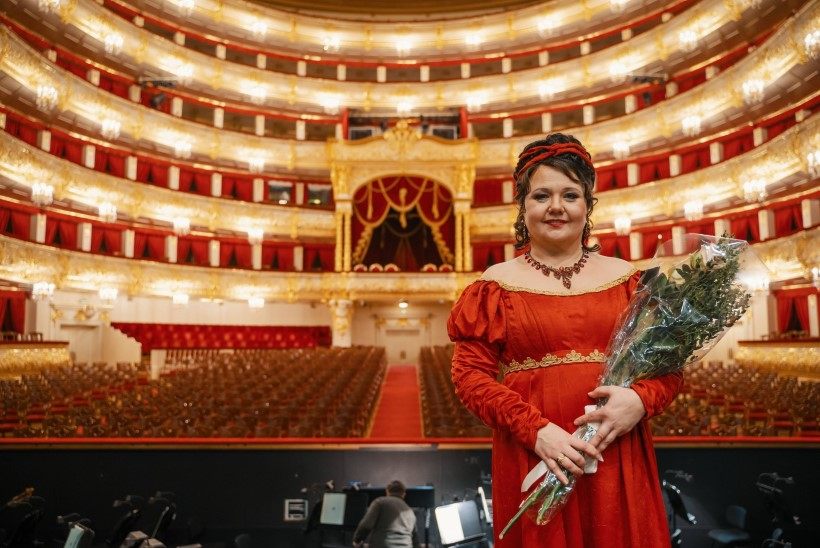 """Rahvusooper Estonia tähistab ooperisolisti Heli Veskuse 50. sünnipäeva  """"Tosca"""" etendusega"""