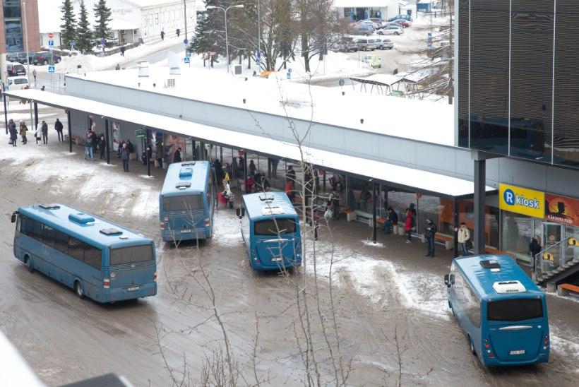 Kas bussijuhtide palk langes piletimüügi lisatasu ärajäämise pärast?