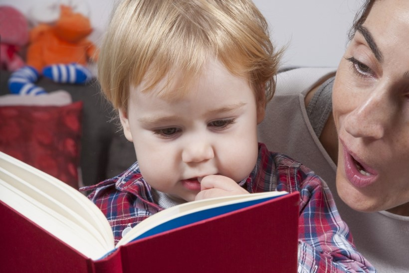 8 tegevust, mis aitavad lapsi raamatute maailma juhatada