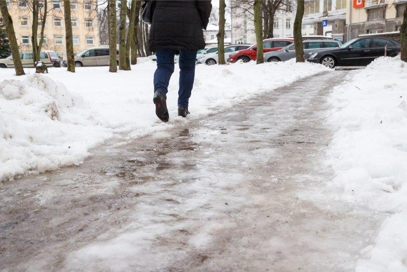 В январе Таллиннская скорая помощь получила 142 вызова от пострадавших из-за гололеда