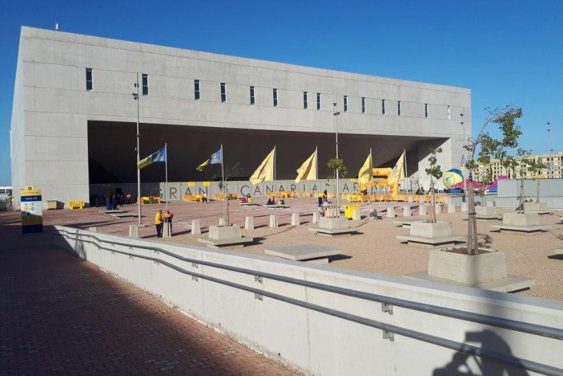 ÕL KANAARIDEL   Reportaaž: kultuurišokk, Gran Canaria langes veelgi sügavamale mutta ja Siim-Sander Vene nukker olukord