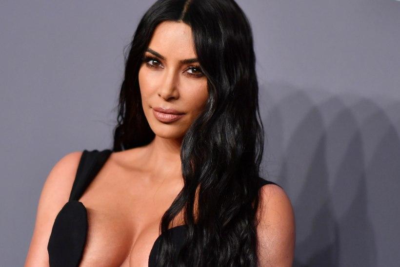 Kim Kardashian pani tema näonahka kritiseerinud ajakirjanikud paika