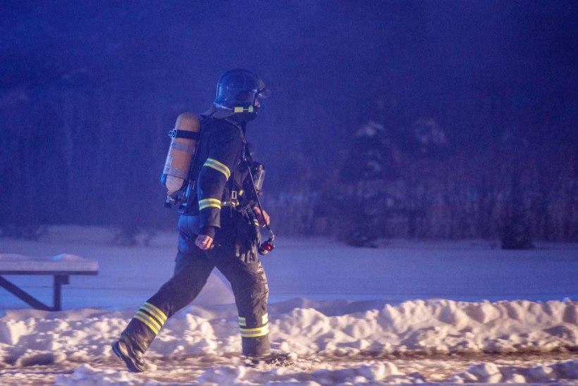Nõgiaru külas uinus mees põleva suitsuga. Kaks inimest ei ärganud tulekahjust enam iialgi