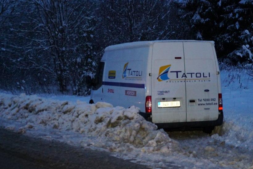FOTOD | Järvamaal sattusid kolmikavariisse veok, kaubik ja sõiduauto