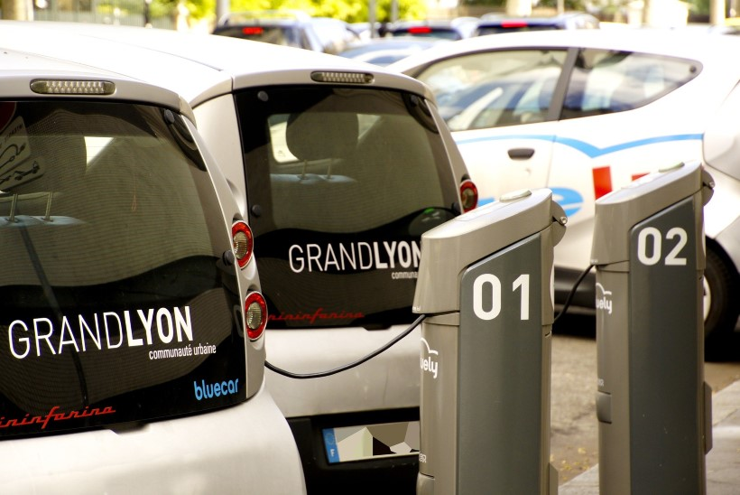 Millal tulevad tanklatesse elektriautode kiirlaadijad?