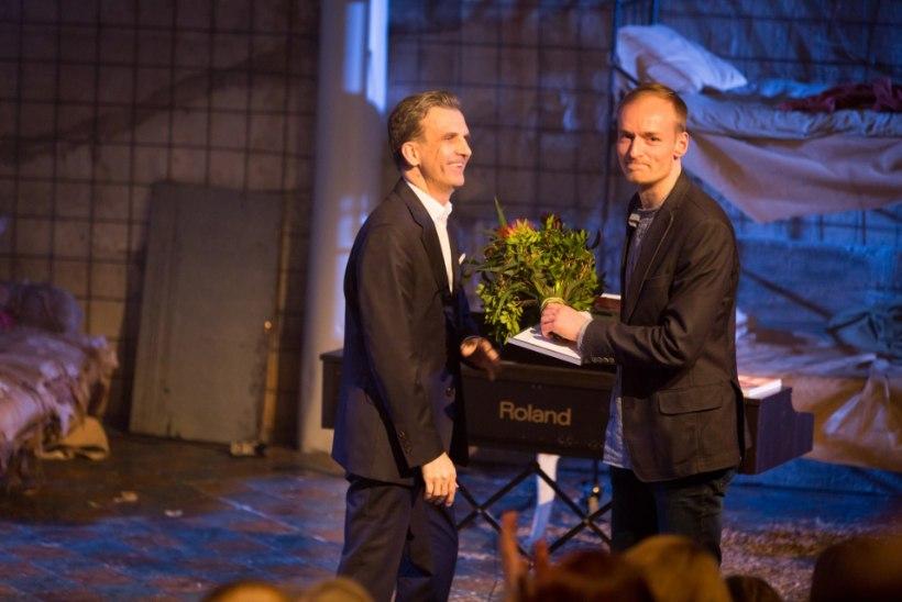 FOTOD | Linnateater jagas kolleegipreemiaid, kõige rohkem etendusi andsid Epp Eespäev ja Kaspar Velberg
