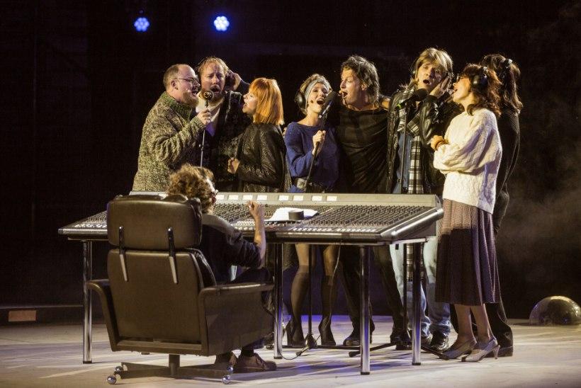 Teatrikevad 2019: ehkki sõnateatrid kipuvad flirtima muusikalidega, jagub lavadele ka vägevaid draamalavastusi