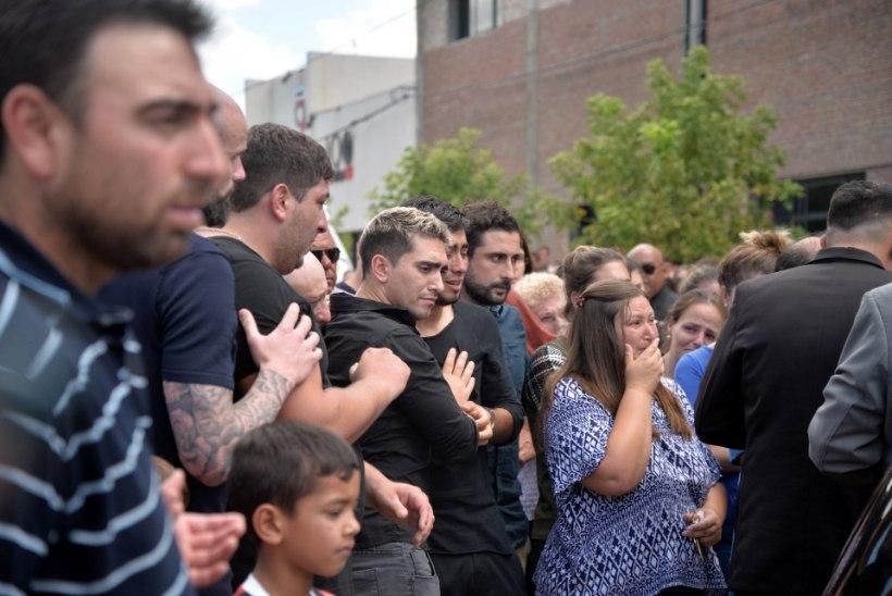 GALERII | Puhka rahus, Emiliano Sala! Ründaja saadeti kodumaal viimsele teekonnale