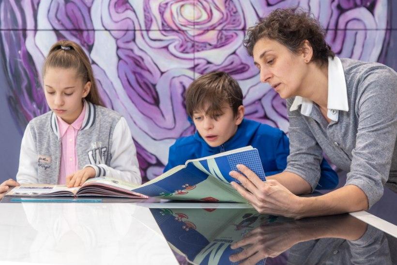 LAPSED KODUÕPPELE JÄTNUD EMA: õpime kõik ained ära kahe koolipäevaga nädalas