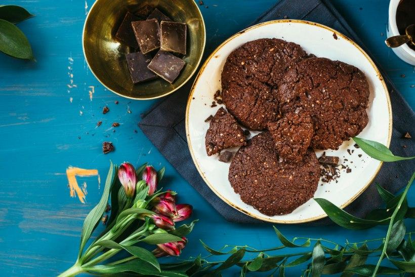 RETSEPT | Ainul heast ja paremast koosnevad topeltšokolaadiga küpsised