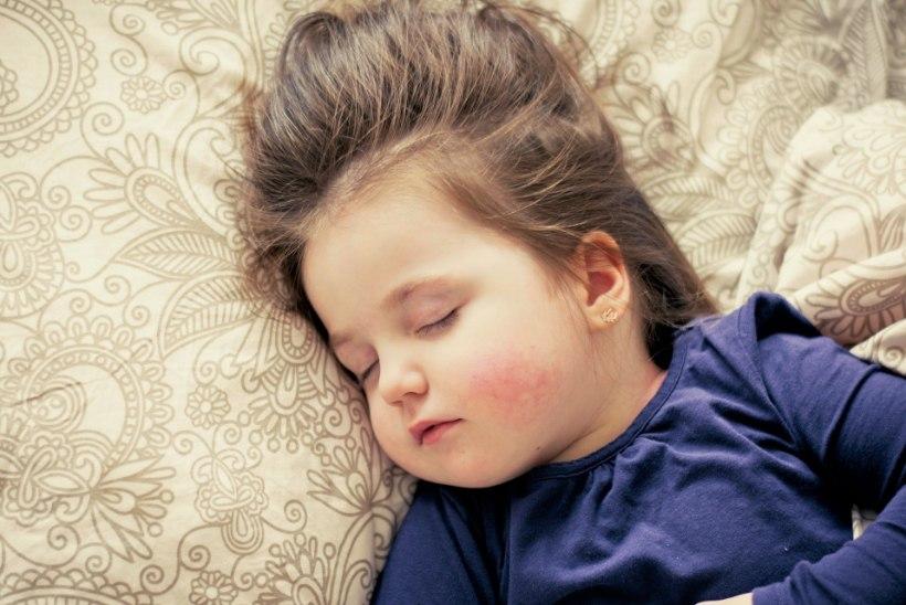 Lapse keskendumisprobleemid ja jonnakus võivad olla märgiks unepuudusest