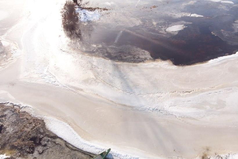 GALERII | SOOMAA VIIES AASTAAEG ÜLLATAB: kanuuga saab liuelda üle luhtade ja jõel kelgutada
