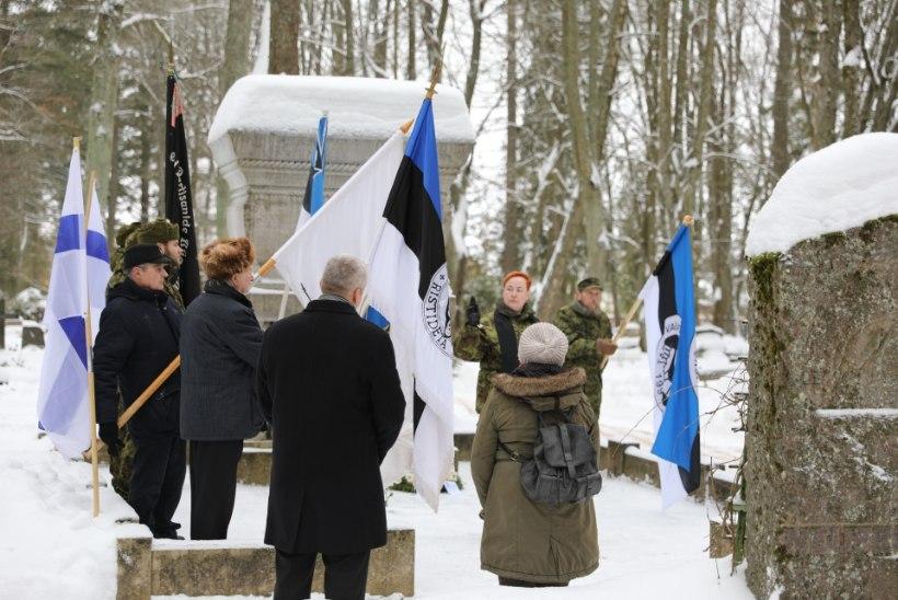 FOTOD | Kuperjanovlased mälestasid 100 aasta möödumist väeosa asutaja surmast