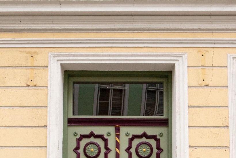 FOTOD | Hanna-Liina Võsa muusikakooli uksemüstika lõppes – vaata, milline on tulemus