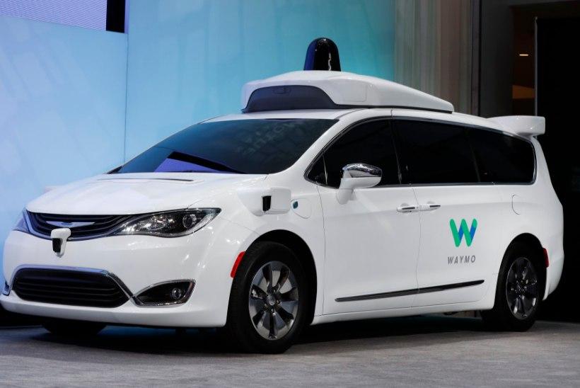 RAPORT: robotautod ei ole veel kaugeltki valmis inimese abita liiklema