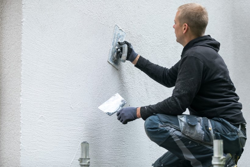 Mida teha, kui pritskrohvitud sein on kahjustatud?