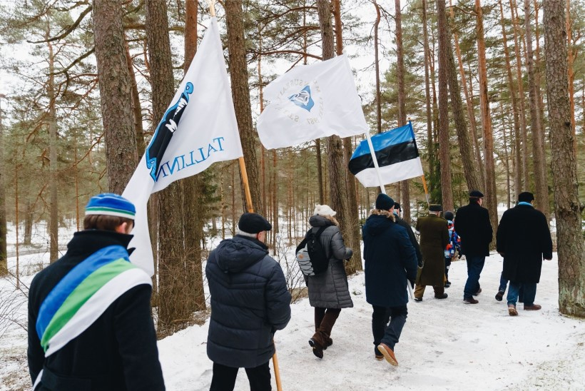 GALERII | Metsakalmistul asetati pärjad Eesti kõrgete riigitegelaste haudadele