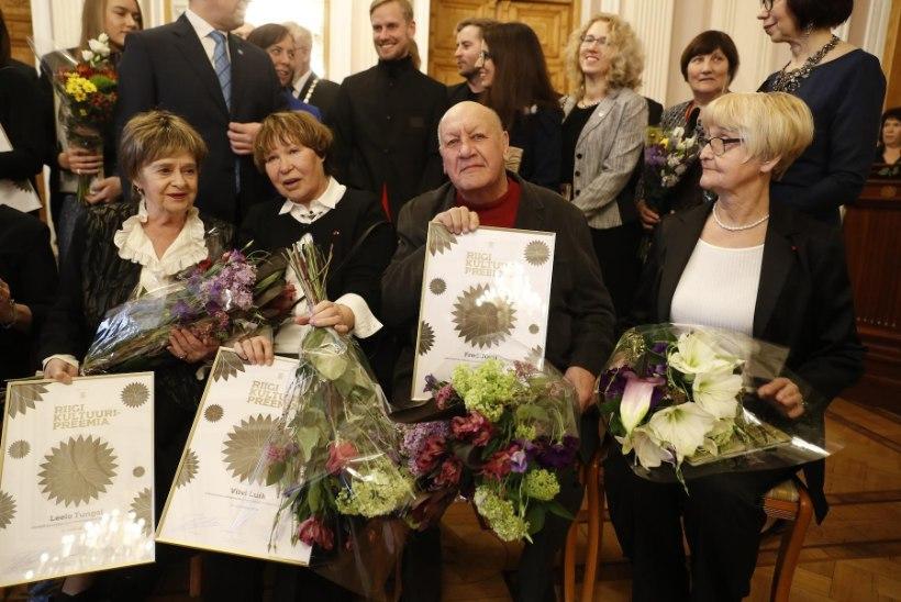"""Viivi Luik: """"Elutööpreemia teeb saatuse ees alandlikuks ja tänulikuks."""""""