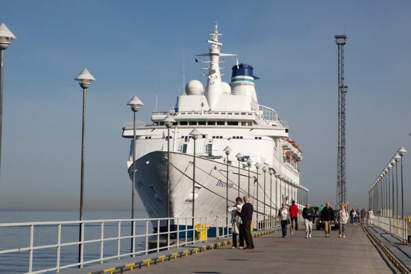 KAS KRUIISITURISTID ON NUHTLUS? Abilinnapea ähvardab Tallinna väravad turistide nina ees lukku panna
